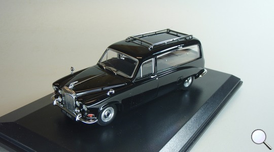 Daimler DS 420 Black Hearse Oxford Diecast 1:43 DS002