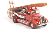 Dennis light four fire engine Yat Ming 1:43 YatMing-43011