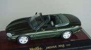 Jaguar XK 8 Maisto 1:43 [Segunda mano, Caja dañada]