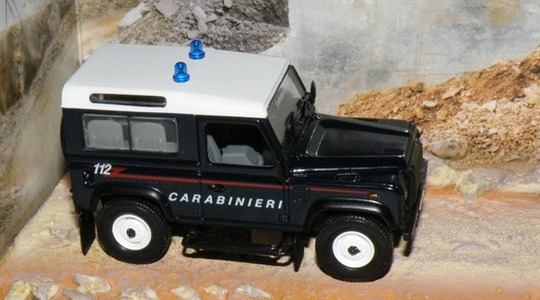 Land Rover Defender Quantum of Solace 007 Eaglemoss Collections 1:43 Eaglemoss-00065 [Segunda mano, perfecto estado, Caja original]
