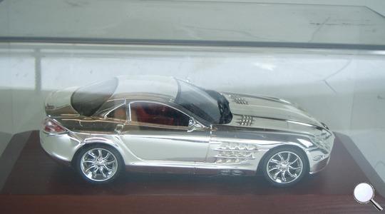 Mercedes-Benz SLR McLaren (C199) Altaya 1:43 [Segunda mano, perfecto estado, Caja dañada]