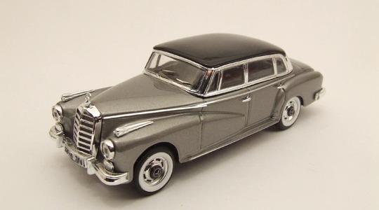 Mercedes-Benz 300 Adenauer RIO 1:43 RIO4090-1