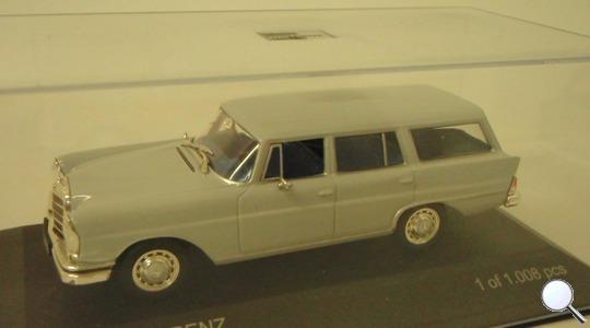 Mercedes-Benz 230S Universal (W111) WhiteBox 1:43 WhiteBox-183618