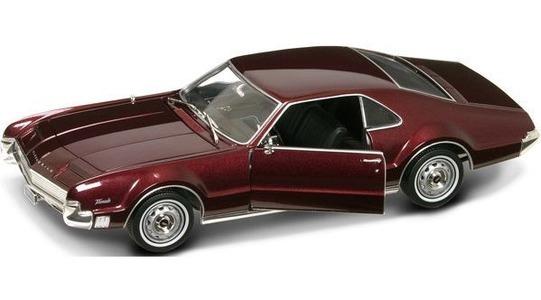 Oldsmobile Toronado Lucky Diecast 1:18 Lucky-92718bg
