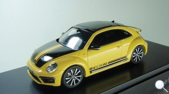 Volkswagen New Beetle II GSR Schuco Volkswagen Dealer 1:43 4039378703912